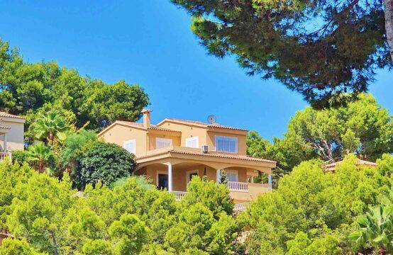 Costa de la Calma: Mediterranean villa with 3 bedrooms and pool in prime location for sale
